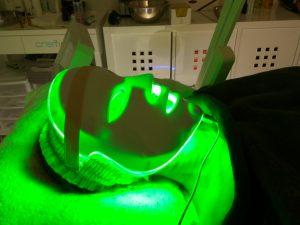 mascara led luz verde